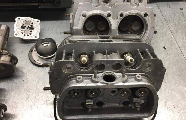Montage moteur pied-moulé